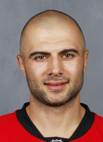 Mark Giordano hockey player photo