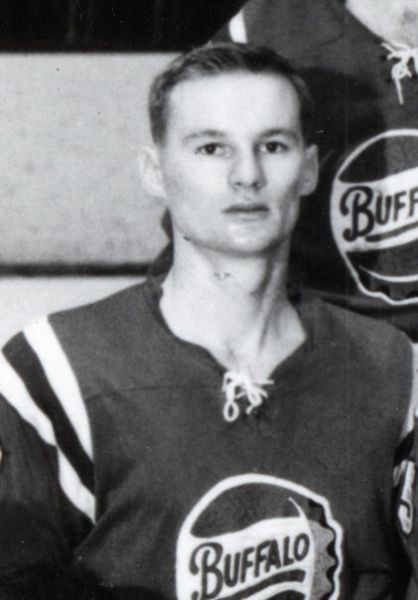 Murray Hall hockey player photo